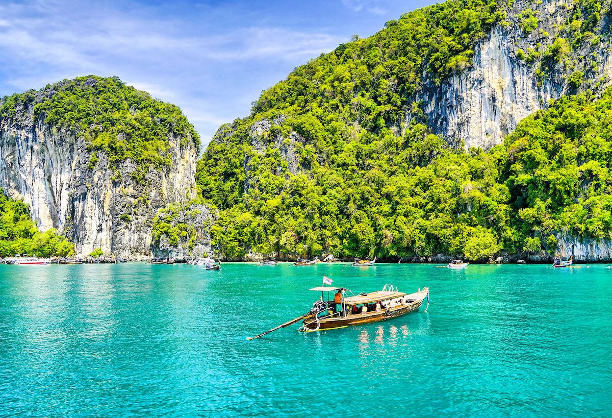 Dịch vụ vận chuyển hàng từ Uthai Thani, Thái Lan về Việt Nam bằng đường bộ