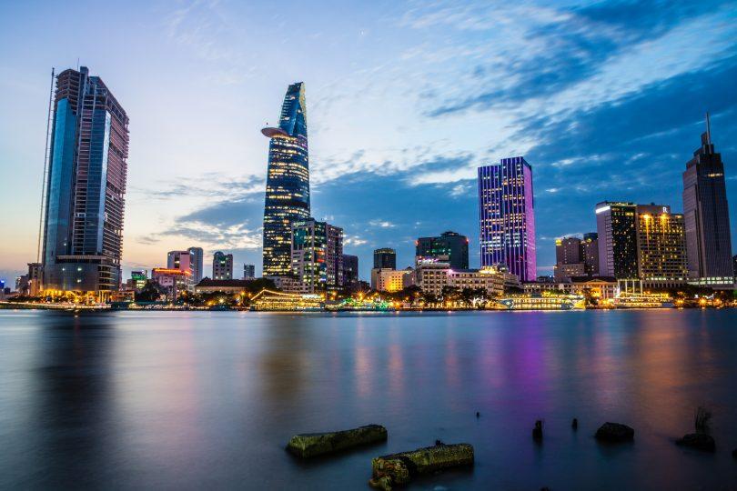 Dịch vụ chuyển phát nhanh nội địa đi Thành phố Hồ Chí Minh